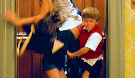 女子大生のズボンを脱がせる変態悪ガキ小学生・・・毎日毎日やりたい放題『私がクマにキレた理由』【映画紹介】